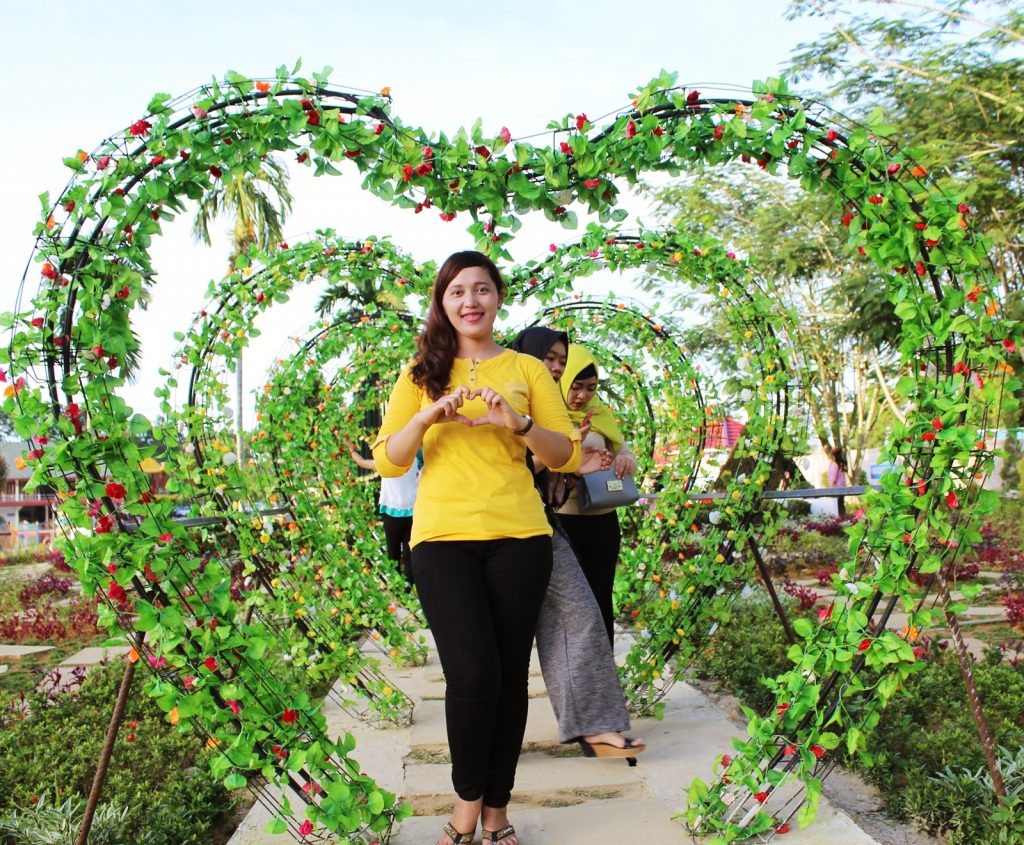 Taman Cinta Villa Pajintan