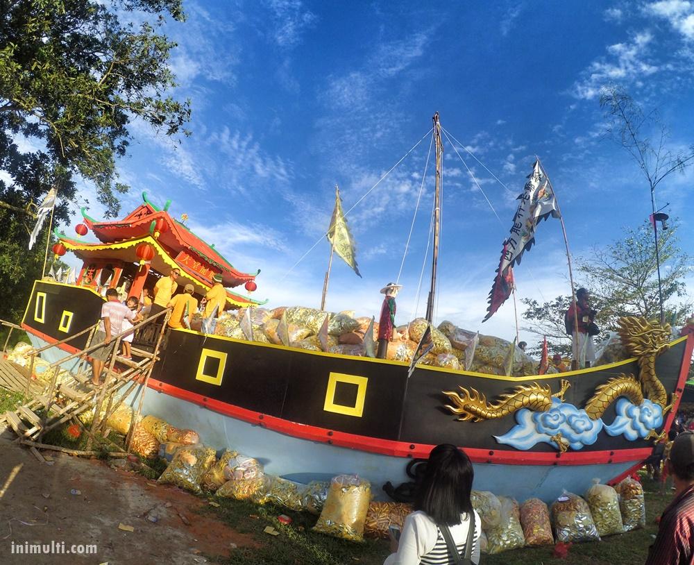 kapal naga nirwana festival sembahyang arwah